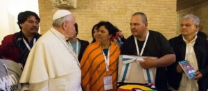 Papa aos Movimentos Populares: a corrupção não é um vício exclusivo da política
