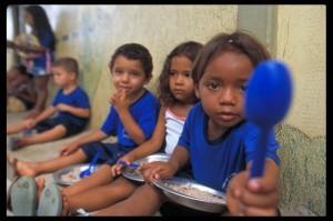brazil_cibo_bambini_2004_gilvanbarreto_oxfam-300x199