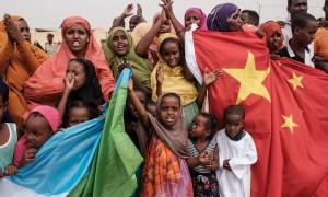 Pequim continua a expansão na África: 60 bilhões de novos financiamentos estão a caminho
