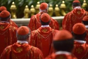 nvertendo o curso: clericalismo, centralização e reforma da Igreja