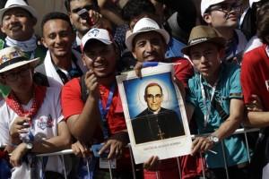 Il Papa coi gesuiti: il Vangelo è politico ma i religiosi non si schierino